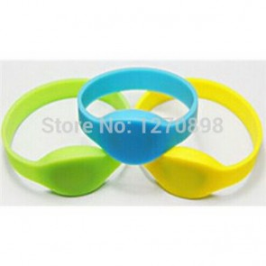 LF 125KHz Waterproof Adjustable rfid silicone wristband tag for swimming pool